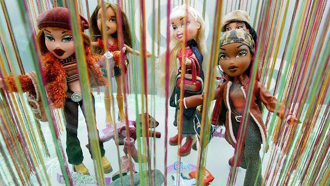 744423-bratz-dolls