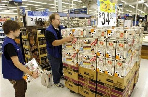 Walmart_workers