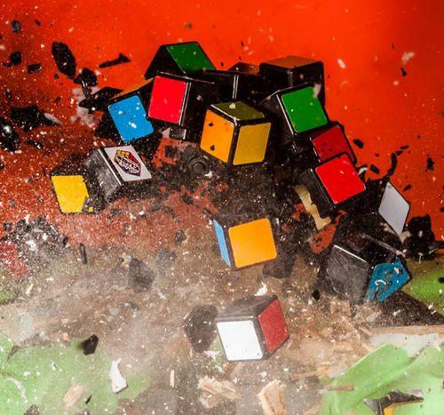Rubiks-cube_2399672k