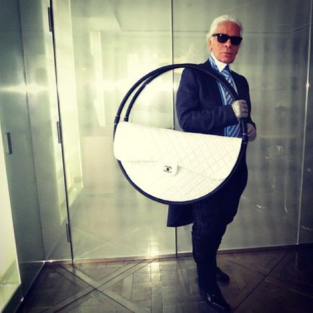 Karl-Lagerfeld-Chanel-Hula-Hoop-Beach-Bag