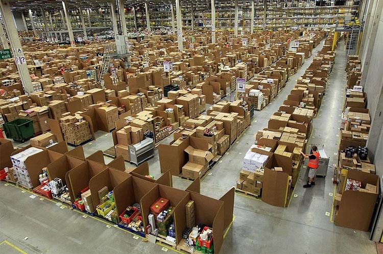 Amazon_warehouse_03