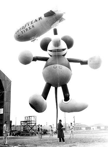 Gal-balloon-1934-mickeymouse-jpg