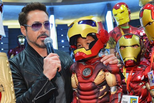 Comic-con-2012-iron-man-3-cosplay-robert-downey-jr