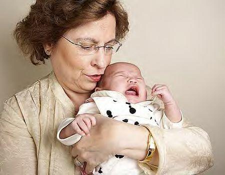 Kfar-khabad-60-year-old-first-time-mom