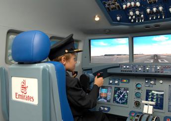 Emirates-Pilot-2_tcm81-16503