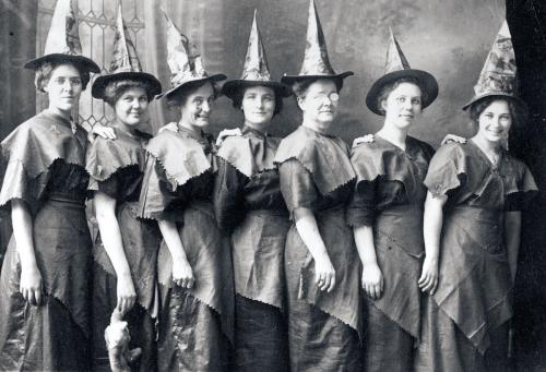 Halloween-costumes-4