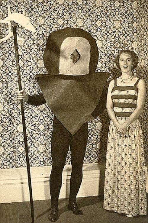 Vintage-Halloween-costumes-3