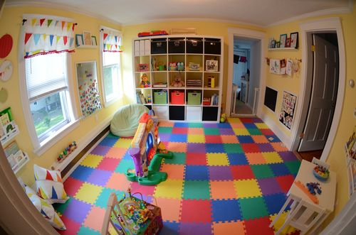Kerrys-Papercrafts-jigsaw-flooring-childs-room