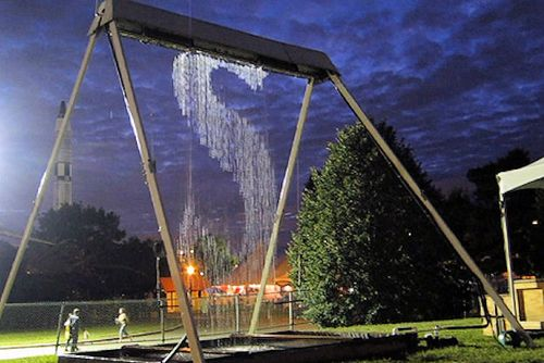 The waterfall swing swings get swingier global toy news for Waterfall swing set