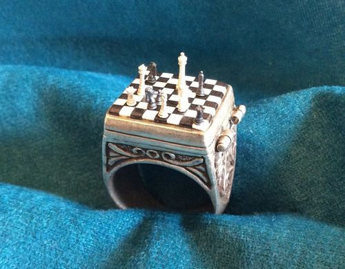 CHESS+RING+PIECES+ON+TOP