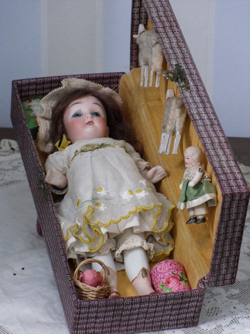 German-Mignotte-Doll-in-Presentation-Box