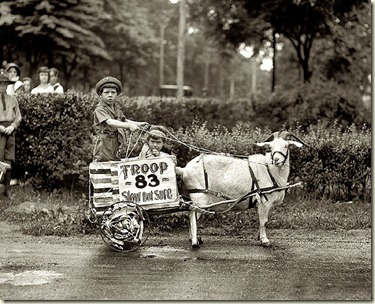 5qtVgoat-cart-1920s-photograph3